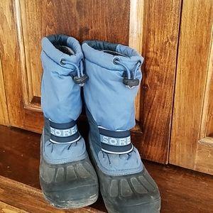 Boys snow boots size 1